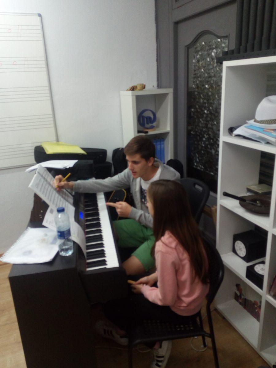 Ensayos Musical El Rey León. Ateneu Cultural Ciutat de Manises