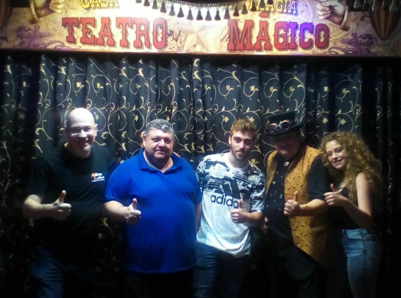 Visita alumnado de magia a la Casa Museo de la Magia. Ateneu Cultural Ciutat de Manises