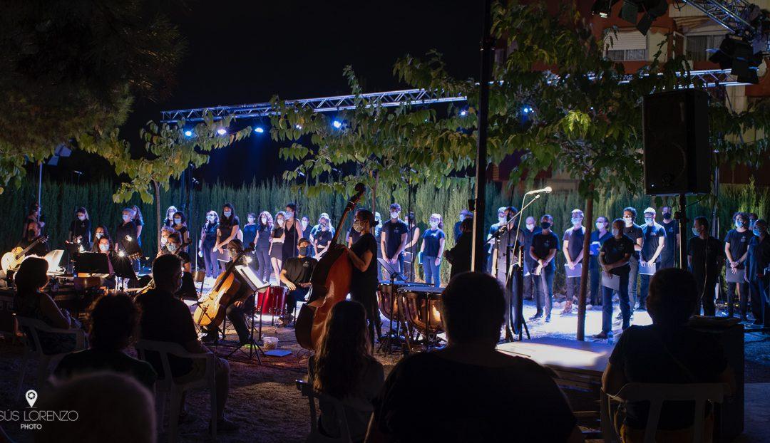Concierto Cantata de Santa María de Iquique realizado por el excelente Coro y Orquesta de Cuerda del Ateneu Cultural Ciutat de Manises.