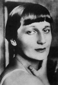 Anna-Ajmatova